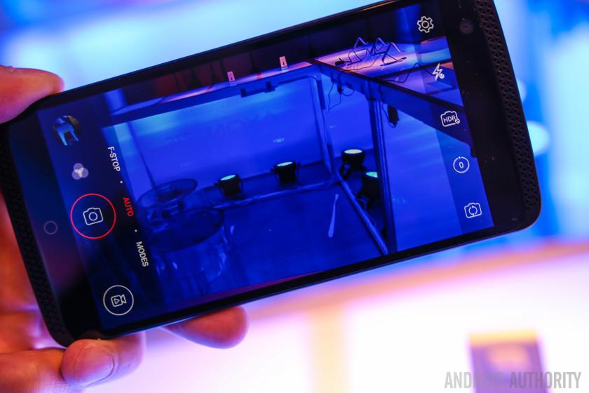 ZTE AXON Phone Hands On-12